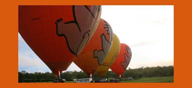 Multiple-Hot-Air-Balloons-Launching-Cairns-Port-Douglas-Australia